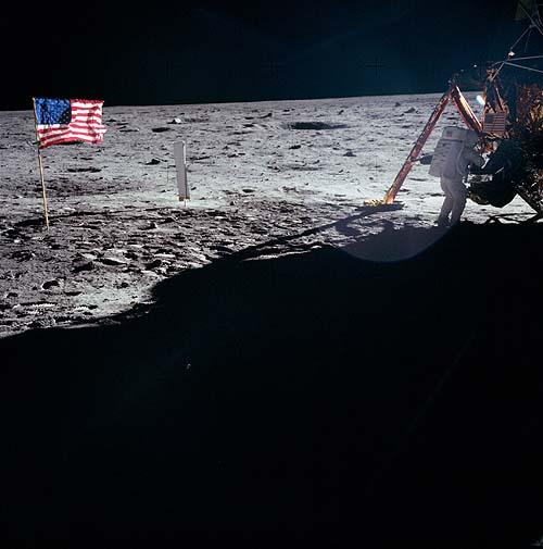 Абсурдность фотографий Аполлон-11