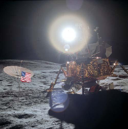 Абсурдность фотографий американского пребывания на Луне