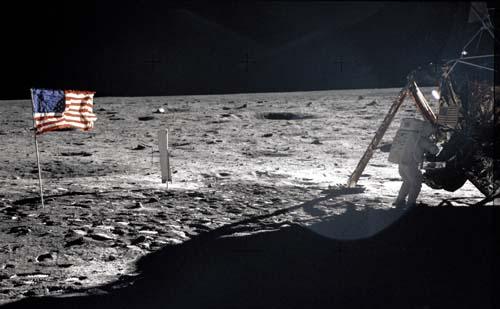 Нелепости на фотографиях лунных экспедиций Аполлон
