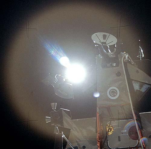 Мистификация фотографий пребывания американцев на Луне