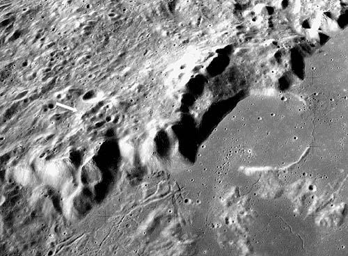 Апеннины, артефакты на Луне